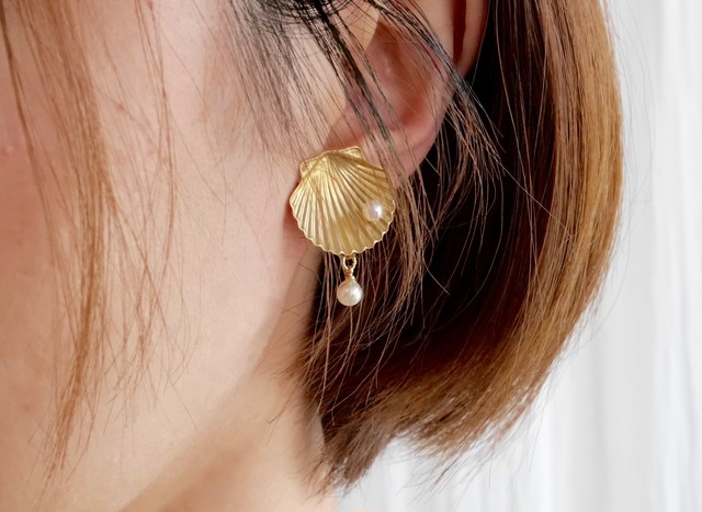 CHELL-PEAL EARRING