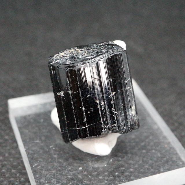 ブラックトルマリン カリフォルニア産 7,1g T174  鉱物 天然石 原石 パワーストーン