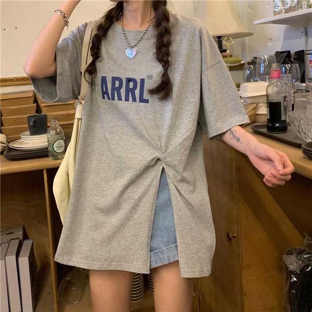 【トップス】カジュアル個性派アルファベットスリットラウンドネックTシャツ43545088
