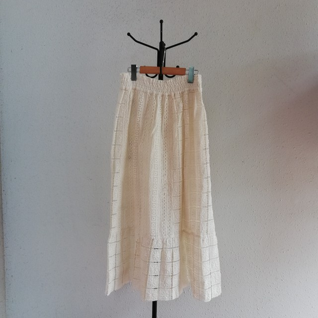 ne Quittez pas(LACE FABRIC LONG SKIRT)