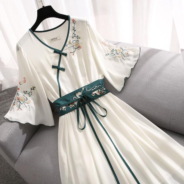 【籬笆シリーズ】★チャイナ風ワンピース★ Vネック 薄い 涼しい 刺繍 ホワイト 白い 大きいサイズ