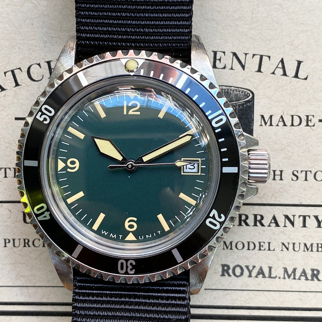 W.MT WATCH  ROYAL MARINE  CLASSIC VINTAGE GREEN (OLD AGED CASE) WMT145-02