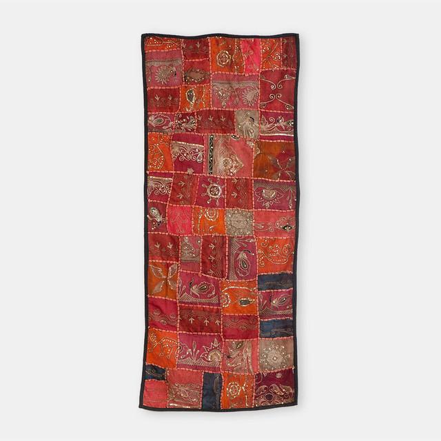 VINTAGE インドの古布 スパンコール手刺繍 タペストリー中 1300×530mm T003