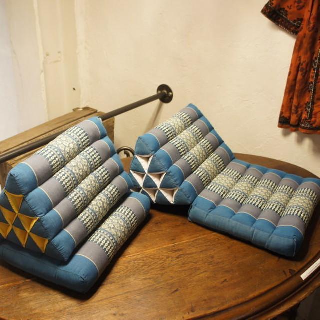 タイの三角枕 ブルー