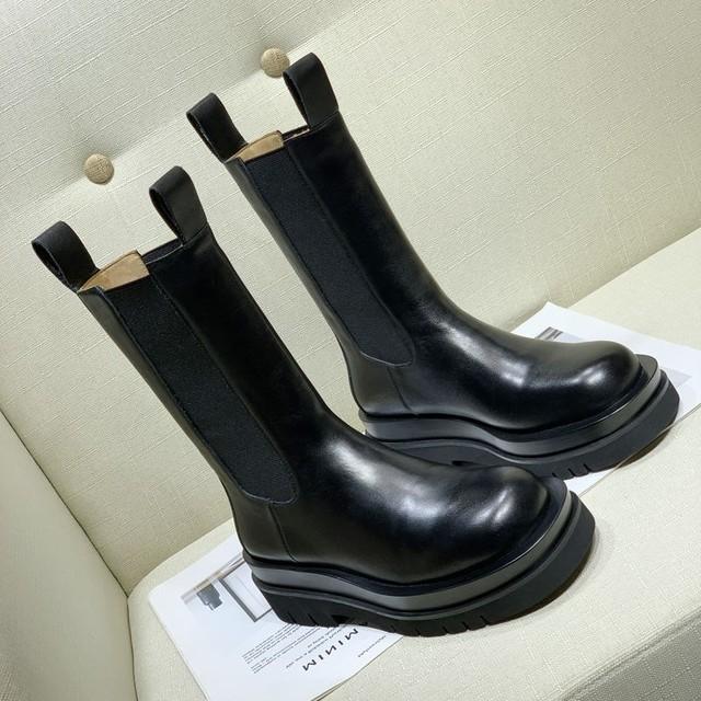 【シューズ】カジュアルプラットフォーム抗菌防臭丸トゥ切り替えミドル丈ブーツ36938394