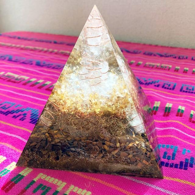 【ラピスラズリの宇宙オルゴナイトシリーズ】ピラミッド型オルゴナイト