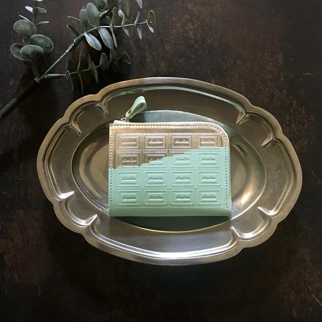 訳あり:革のミントチョコ ファスナーミニ財布 (銀の包み紙)