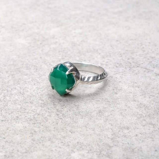 SINGLE STONE NON-ADJUSTABLE RING 082