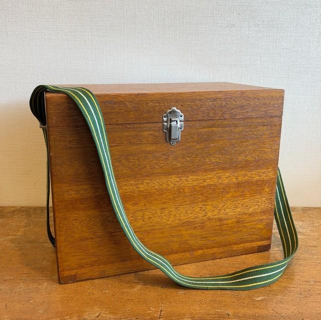 古い釣り具箱