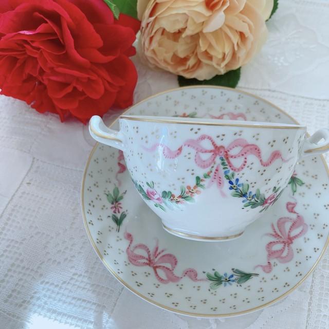 フランス 薔薇とリボンが可愛いカップ