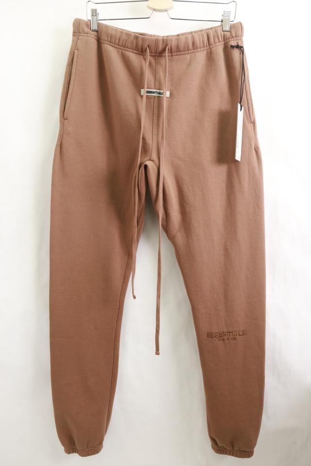 ESSENTIALS by FEAR OF GOD  LOGO SWEAT PANT BROWN