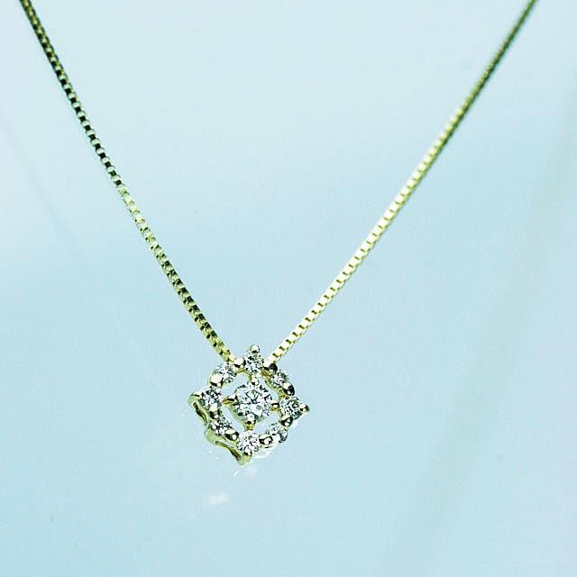 ダイヤモンドペンダント K18ゴールド