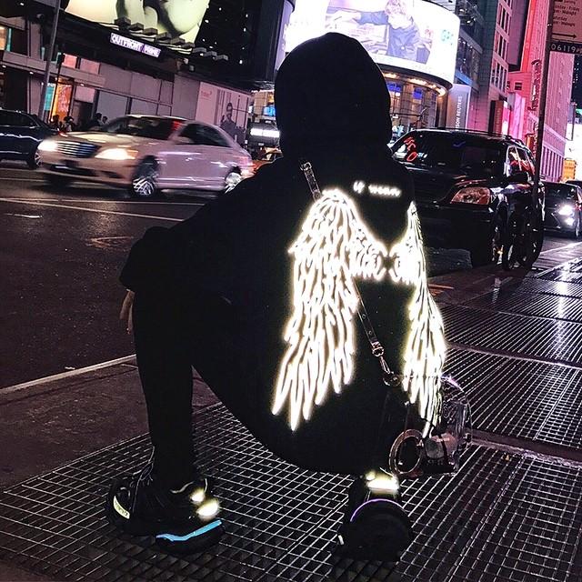 【トップス】ストリート系光反射ツバサ模様パーカー25969351