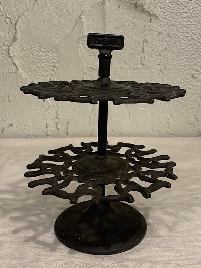 IRON DISPLAY STAND