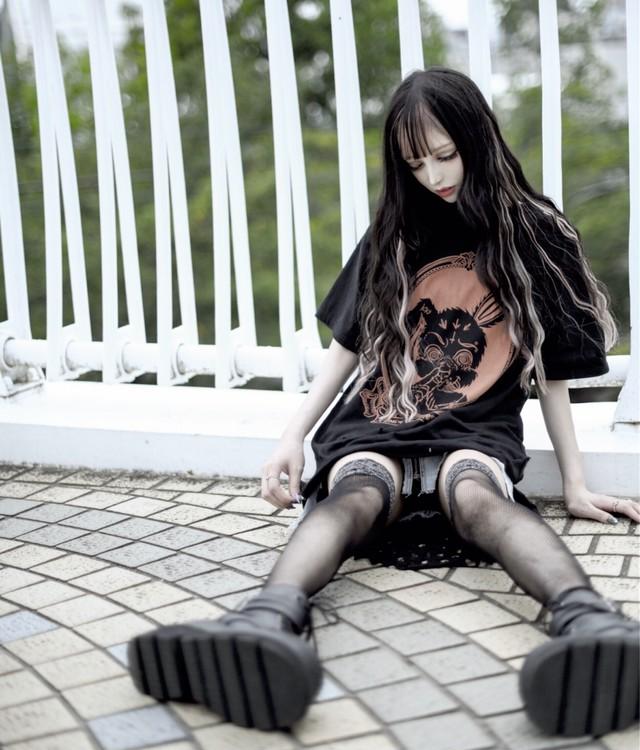 「Chiiiii×KRY」抜染ダメージ変形シャツ