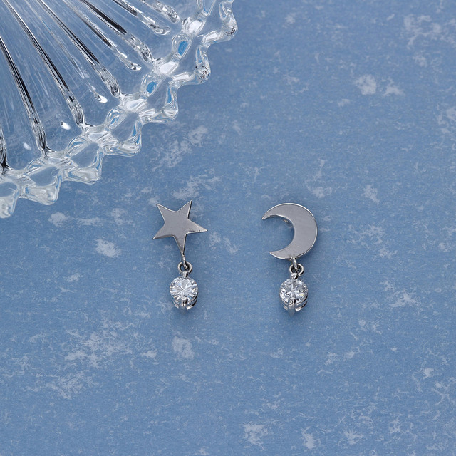 Pt900 / ピアス (両耳) / The moon and star
