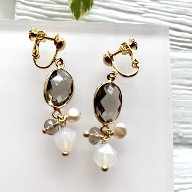 INDU clip earrings