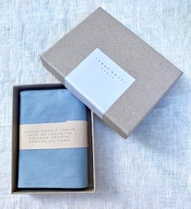CARRÉ  ROYAL(カレ ロワイヤル)の折りたたみ財布