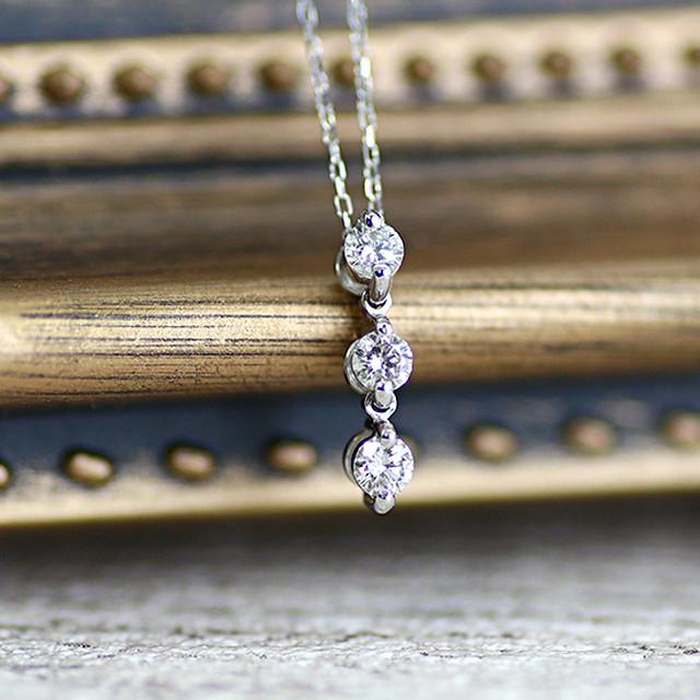 3石 0.2ct スリーストーン ダイヤモンド ペンダント ネックレス
