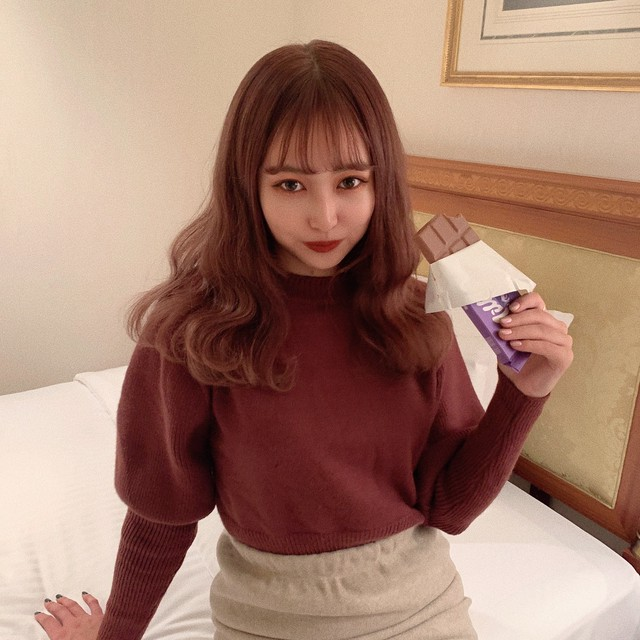 chocolate puff knit