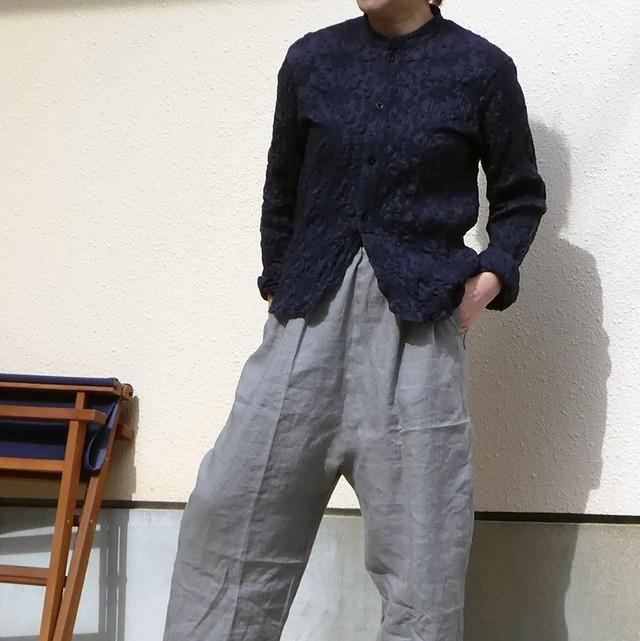 水玉プリント リボンタイ付きVネックシャツ