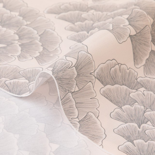 < Ginkgo Leaves > Pale Pink  コットン生地  48cm x 50cm