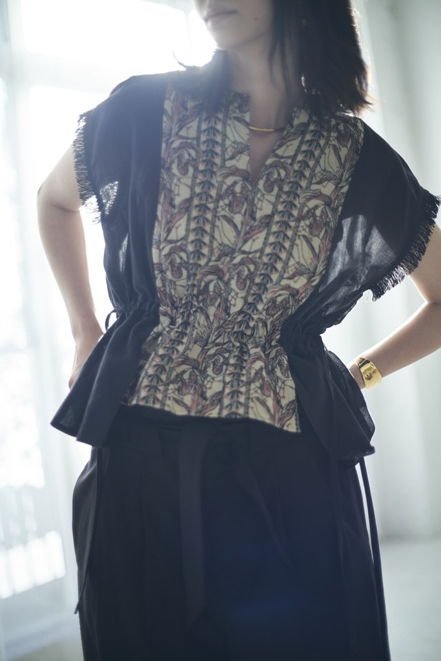 T-01 Flower embroidery Gather Blouse