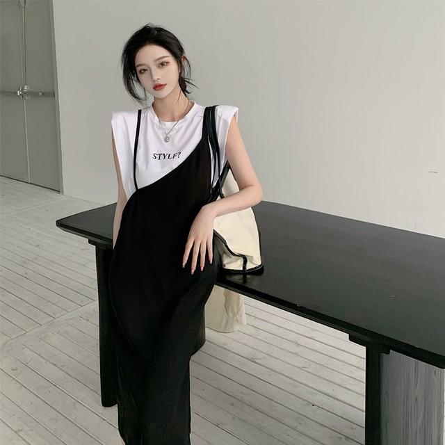 セットアップ♡肩パッド入り ノースリーブTシャツ ロゴT 白Tシャツ アシンメトリースカート キャミスカート ストラップスカート モノトーン 黒白 スタイリッシュ 個性的 オシャレ映え TP3414