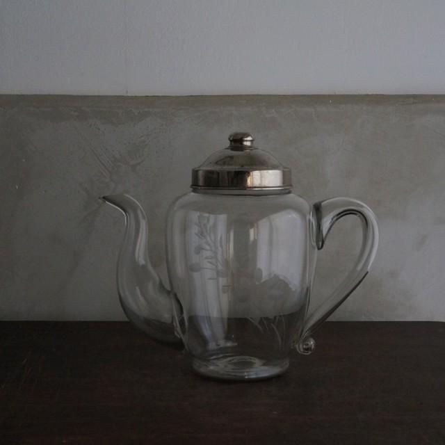 古い国産のガラスポット