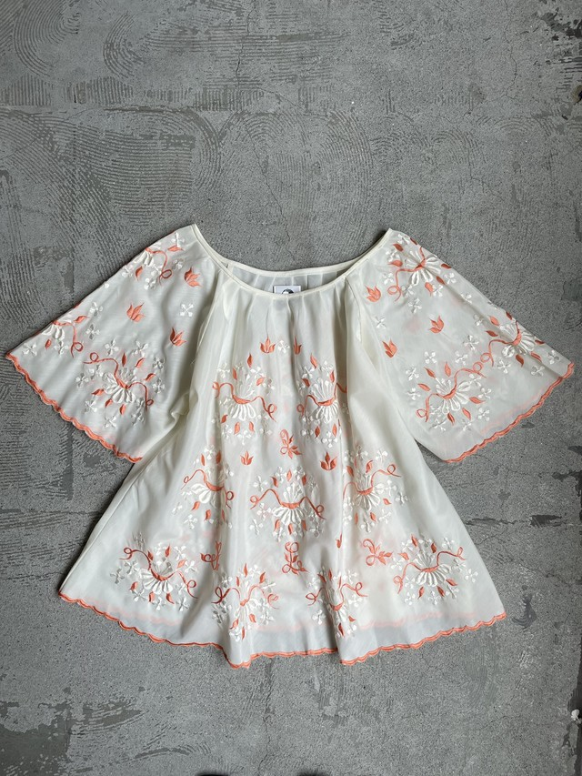 vintage floral embroidery blouse