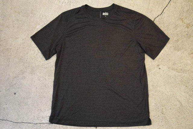 USED REI Polyester Tshirt L S0456