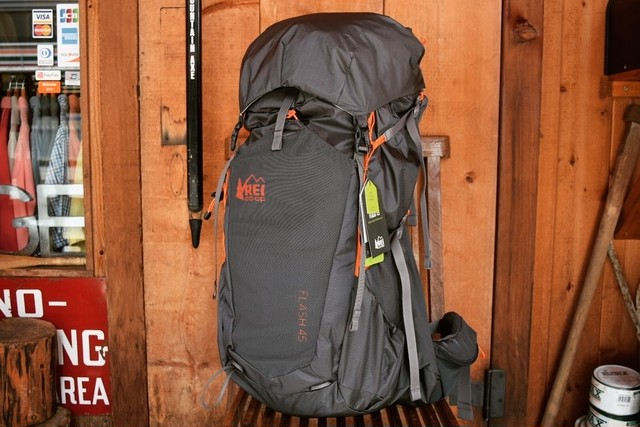 新品 REI FLASH 45 Backpack B0327