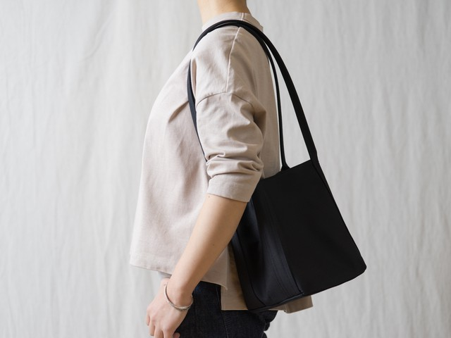 [Renew]Shiribari tote M ブラック