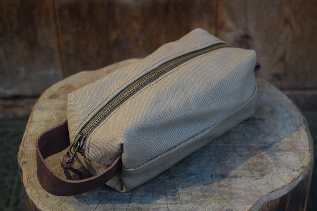新品 Original Heavyduty pouch TAN -Medium G06