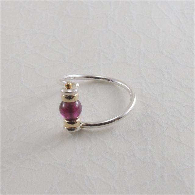薔薇柘榴石の指輪