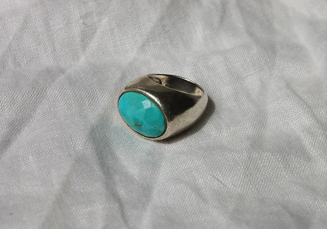 vintage blue oval ring