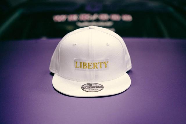 LIBERTY CAP NEWERA ホワイト×ゴールド