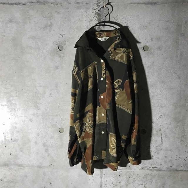 [used] flower designed dark green shirt