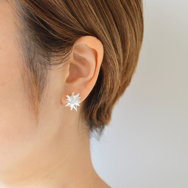 新星のピアス:片耳