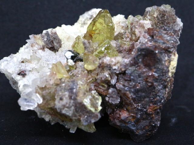 メキシコ産 アパタイト 母岩付き  Apatite 57g AP025 鉱物 原石 天然石 パワーストーン