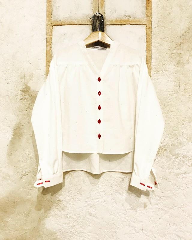 kids 110〜130 遠州織物 Vネックシャツブラウス WHT 赤ボタン
