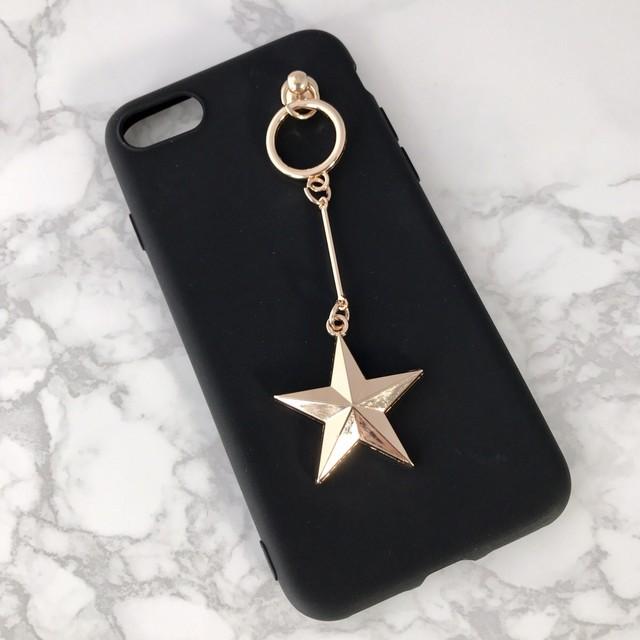 【送料無料】ブラックソフトケースにシンプルなスターのチャーム iPhoneケース