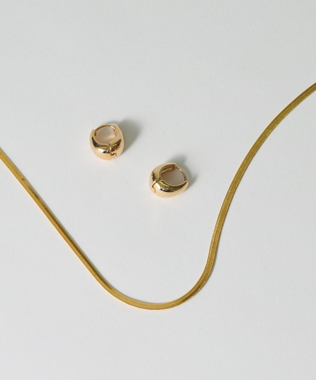 Snake Chain Necklace & Compact Oval Pierce