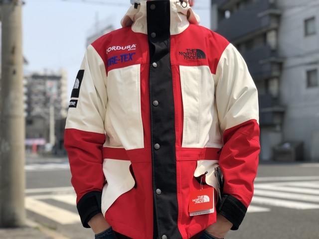 Supreme 18AW × THE NORTH FACE Expedition Jacket White 59409