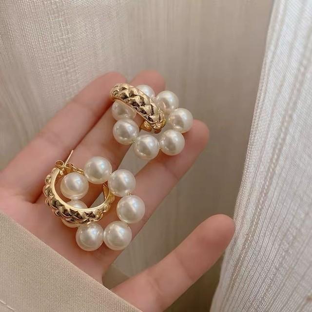 gold ring × Pearl pierce