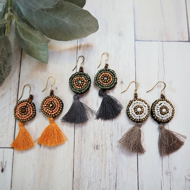Beads Tussel Pierced Earring《BEG/GRY/ORG》18385092A-C
