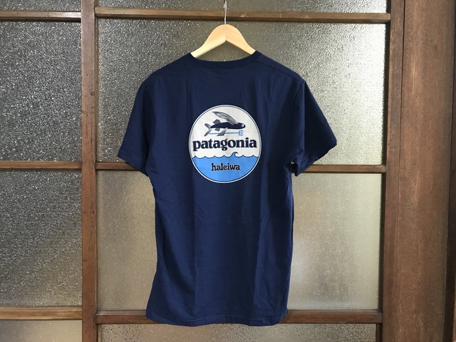 "PATAGONIA HALEIWA ""FLYING FISH"" TEE (NAVY)"