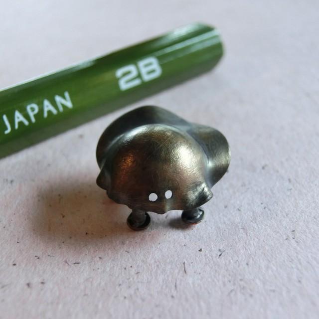 【小さな虫】f ~ オーナメント ☆ 真鍮 #1479