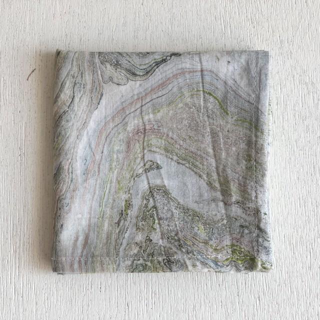 【再入荷】インドの布《木版ハンカチNo.20》 インド綿ボイル マーブル グリーン