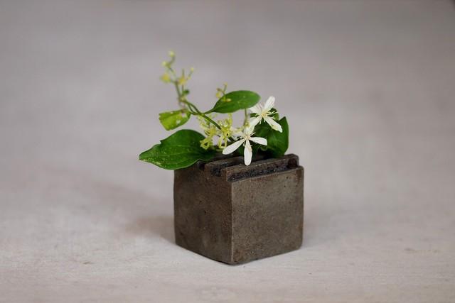 竹内絋三 黒花器コロ